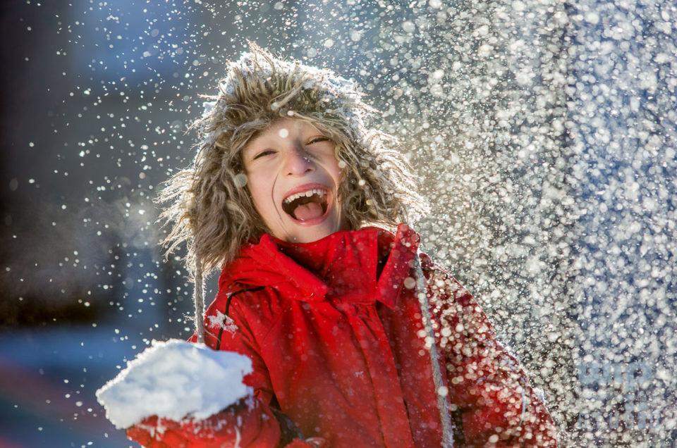Dzieci lubią zimę – fotografie ilustracyjne